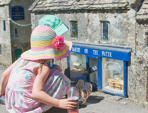 bakery-on-the-water-model-village-bourton