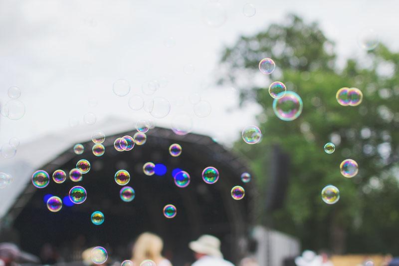 bubbles-at-festival