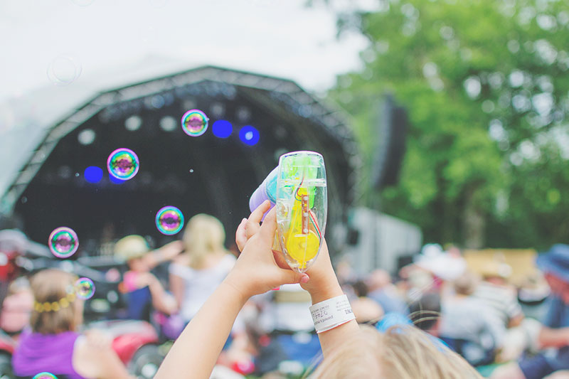 bubbles-at-larmer-tree-festival